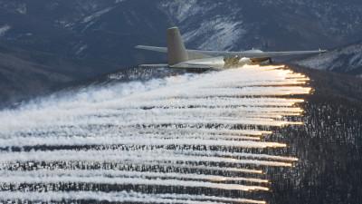 Aircraft dispending ELIPS decoys MBDA