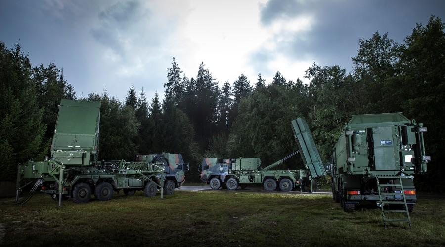 MEADS-360-Radar-Launcher-Battle-Manager1-900x500.jpg