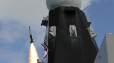 Sea Viper firing - HMS DUNCAN - Oct 2014 - copyright MBDA